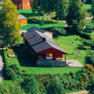 Foto av boliger ved Sagavoll Folkehøgskole