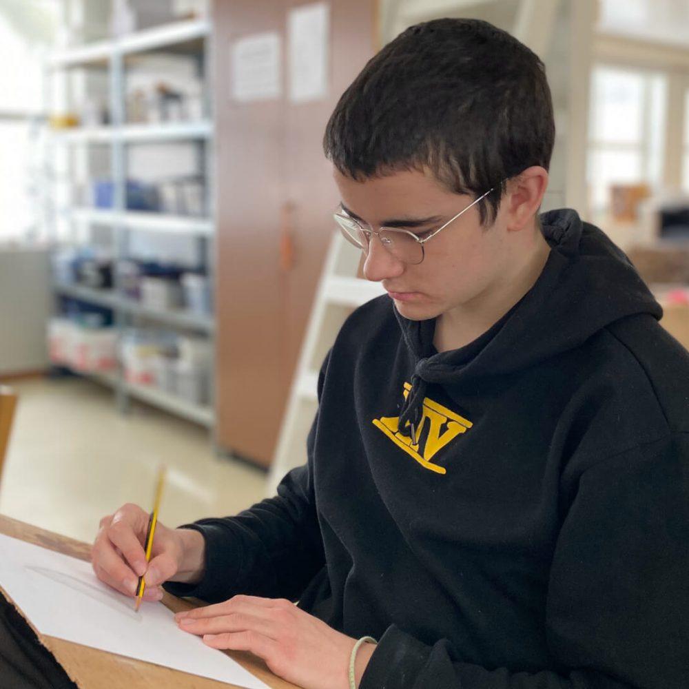 Elev som tegner